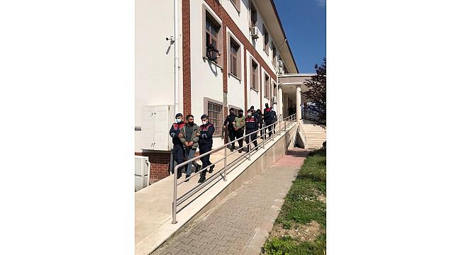 Sakarya'da uyuşturucu tacirlerine operasyon: 3 tutuklama